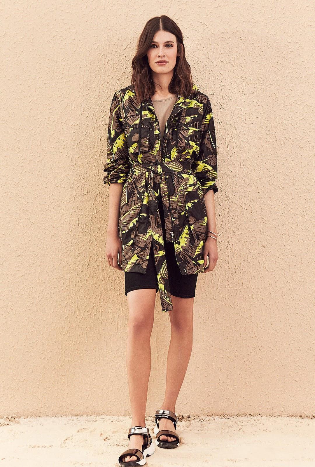 Moda casual urbana para mujer primavera verano 2020.