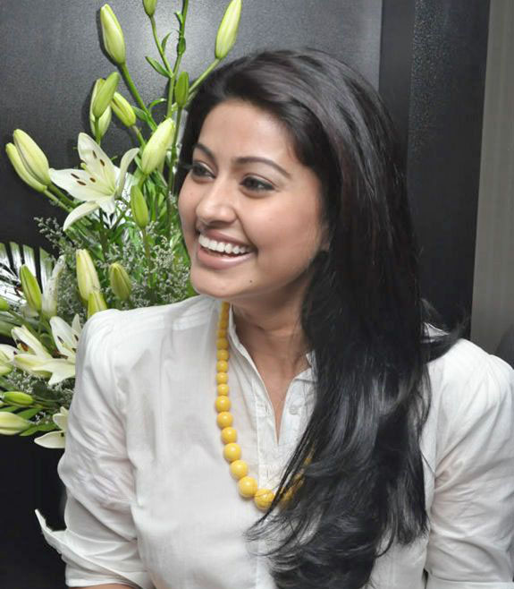 Tamil Cinema Foto: Tamil Home Actress Sneha Latest Event