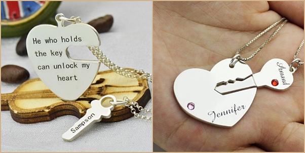 Como usar pulseiras e colares personalizados para casal