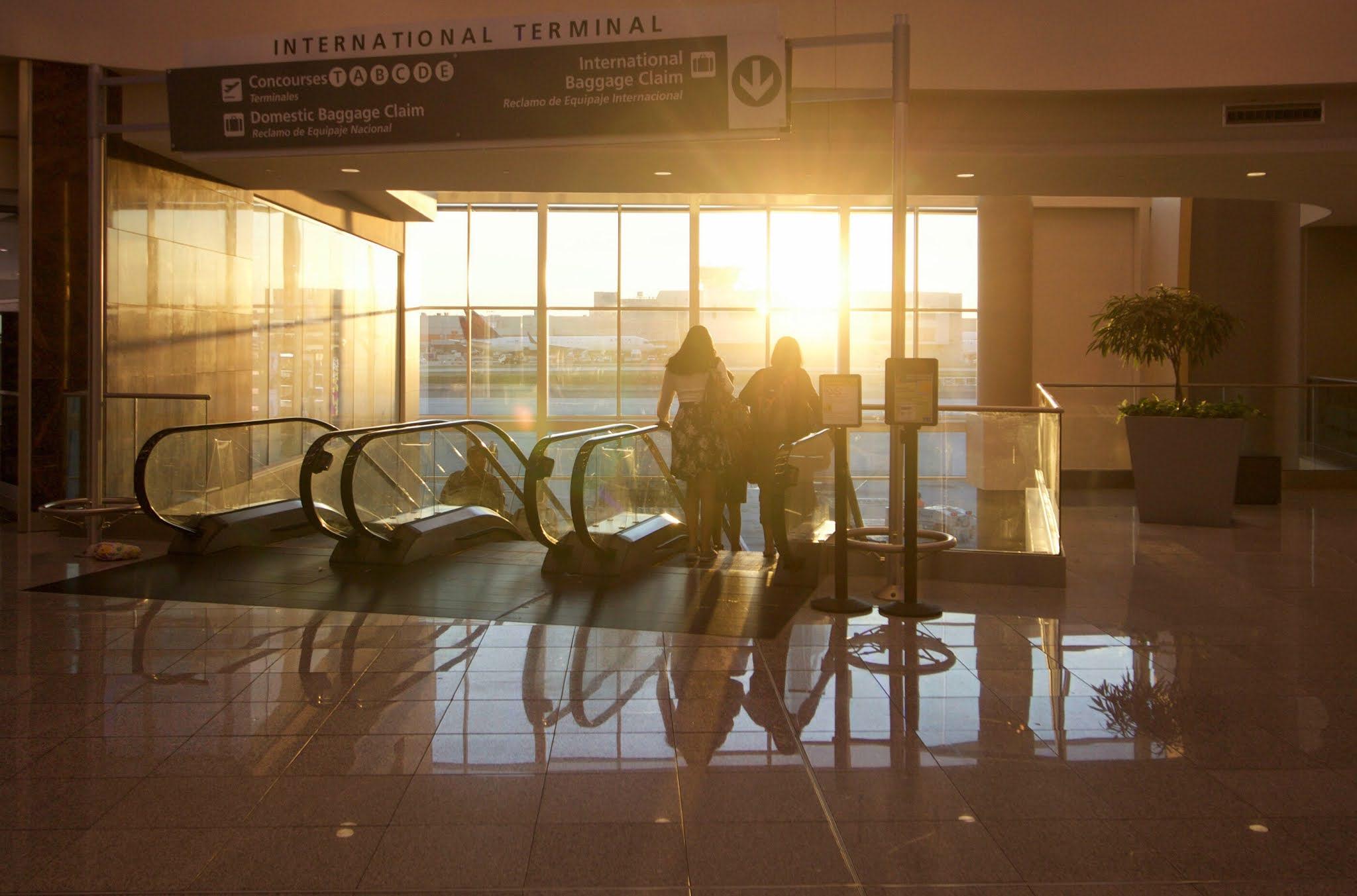 """""""طيران الإمارات"""" تكشف النقاب عن إجراءات السفر الجديدة لرحلات الهند"""