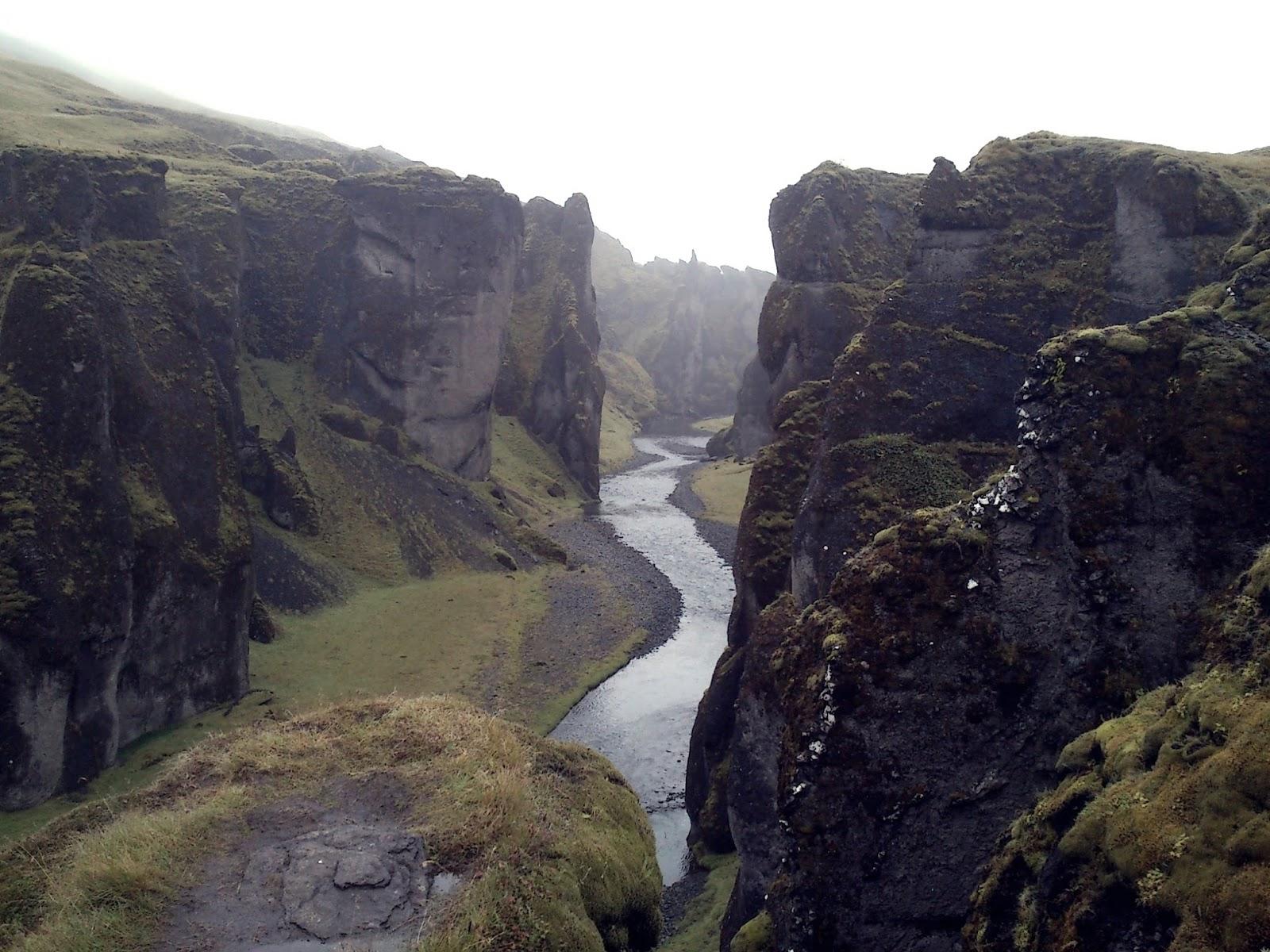 fjaðrárgljúfur, kanion, canyon, Islandia, południowa Islandia, atrakcje Islandii