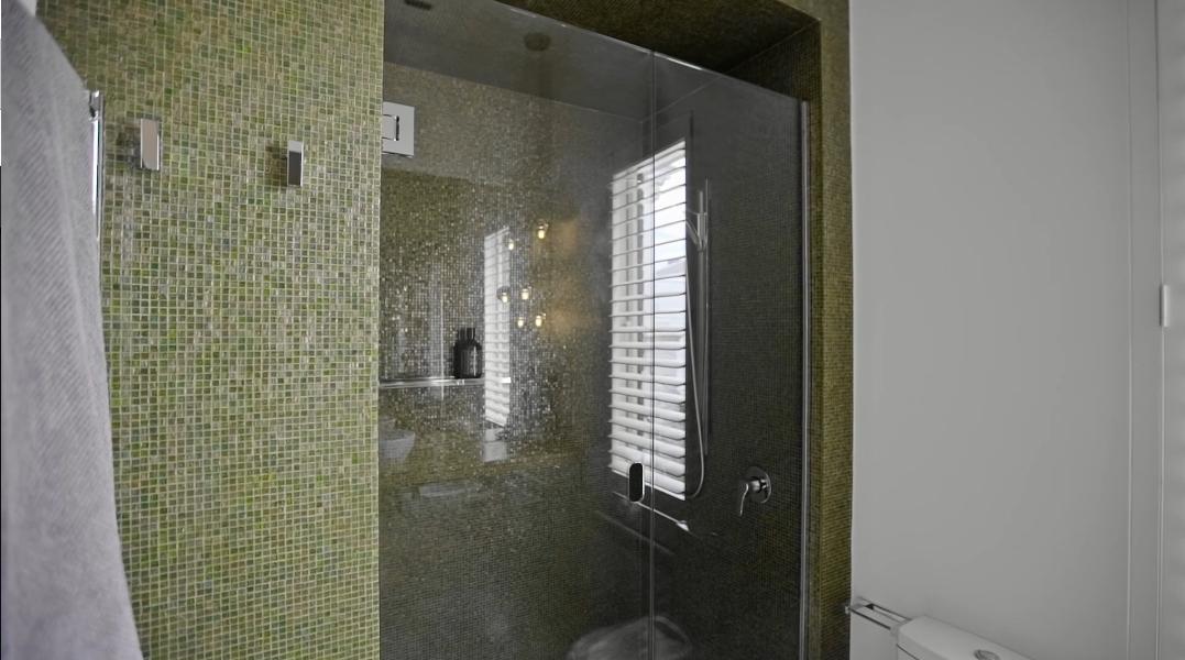 20 Interior Design Photos vs. 62 St Vincent Place N, Albert Park, Vic Home Tour
