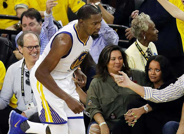 Did Kevin Durant stare down a heckling Rihanna in Warriors' Game 1 win?