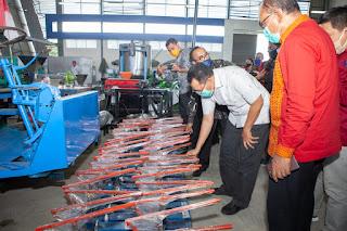 Gubernur NTB, Dr. Zul Salurkan Bantuan  685 Mesin Sebagai Stimulus Ekonomi