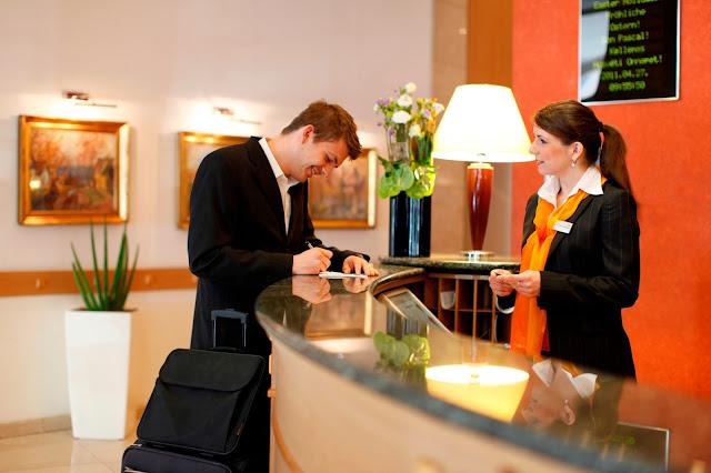 Operatorii de turism se străduiesc să descopere relevanța în rândul oaspeților tineri