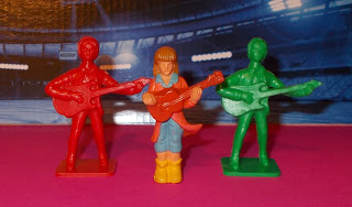 Beatles; Board Game; Boardgame Pieces; Cake Decoration Figures; Cake Decorations; Drumner; George Harrison; Guitarist Figurine; John Lennon; Made in Hong Kong; Merseybeat Toys; Paul McCartney; Plastic Figurines; Plastic Novelty; Plastic Pop Musicians; Plastic Toy Beatles; Plastic Toy Figures; Playing Piece; Polystyrene Figures; Polystyrene Toy Soldiers; Pop Musicians; PVC Figurines; PVC Vinyl Rubber; Ringo Star; Rock and Roll Stars; Rock Chic; Rock Star Toy Figures; Small Scale World; smallscaleworld.blogspot.com; Toy Pop Stars; 2 Pop Star Rock Chick Plastic Toy Figures Board Game Pieces DSCN9073