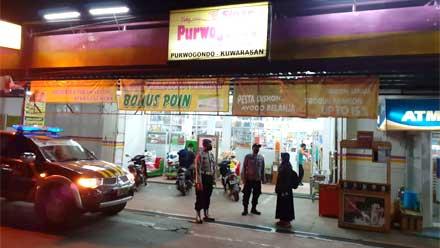 Polsek Kuwarasan menggelar kegiatan Blue Light Patrol