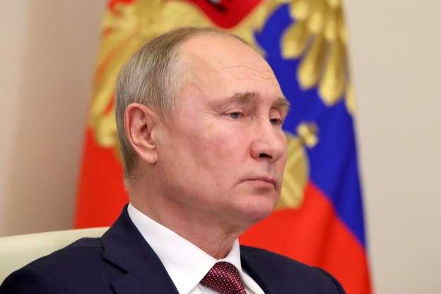 Putin orders mass vaccines against coronavirus in Russia starting next week