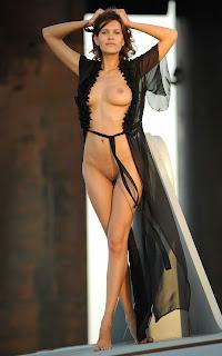 裸体自拍 - Suzanna%2BA-S01-063.jpg
