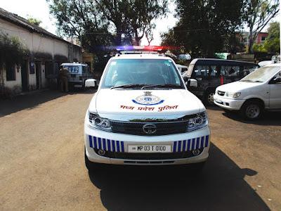 tata safari storme police