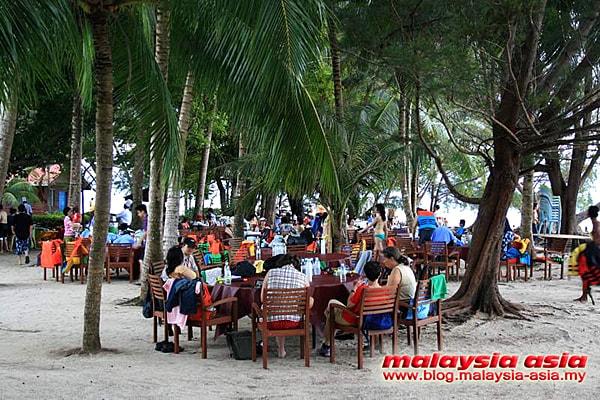 Manukan Island Chinese Tourist