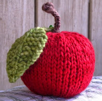 http://translate.google.es/translate?hl=es&sl=en&tl=es&u=http%3A%2F%2Fwww.naturalsuburbia.com%2F2011%2F07%2Fapple-knitting-pattern-tutorial.html