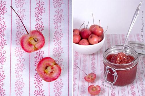 różowy dżem z jabłuszek rajskich