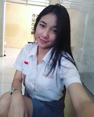 Selfie Siswi SMA Cantik  lengan mulus