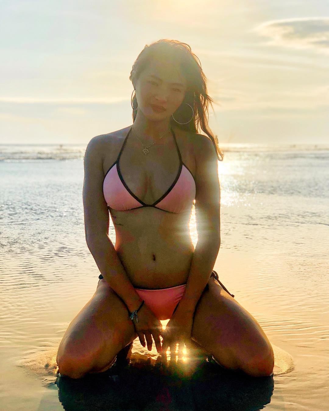 marline capones sexy bikini pics 05