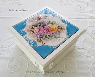 Caixe em MDF com placa pintada à  mão