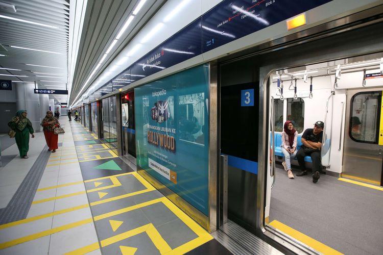 Ini 6 Hal yang Tidak Boleh Kamu Lakukan Saat Naik MRT Jakarta