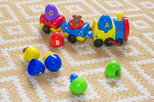 Chu Chu TV Peek & Play Surprise Eggs Train and ABC Starter Set to review. Train has A and C egg in and the B egg with the top off to show a bear