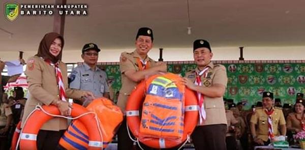 Bupati Barut Terima Bantuan Dari Dishub Provinsi Pada Kemah ELY