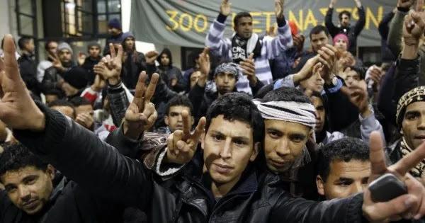 Το υπ. Εσωτερικών μοιράζει ιθαγένειες σε αλλοδαπούς:   για  να εμφανίζονται αύριο ως Έλληνες σε θέσεις κλειδιά