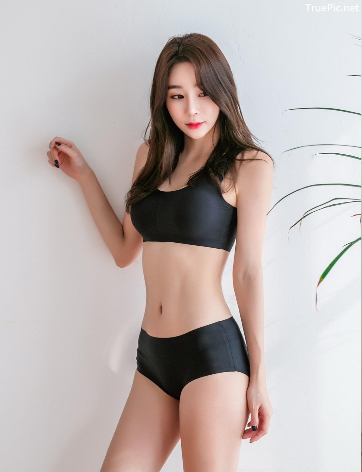 Image Korean Fashion Model - Hyun Kyung - Black Tube Lingerie - TruePic.net - Picture-1