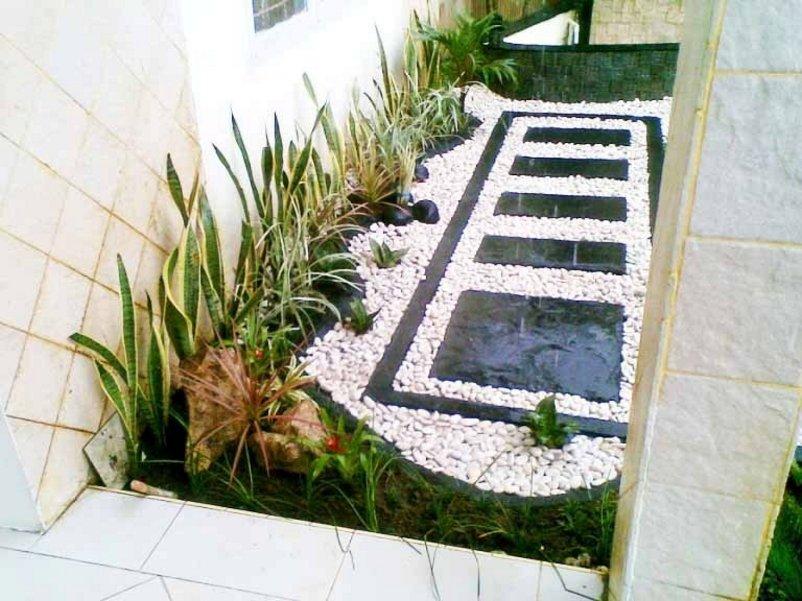 taman minimalis di dalam rumah menarik