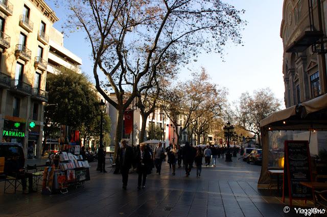 Passeggiata sulla famosa Rambla di Barcellona