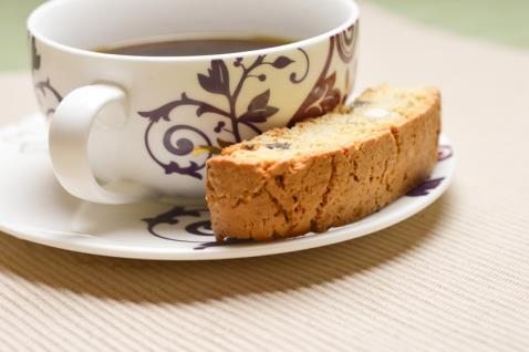 بيسكوتي اللوز Almond Biscotti