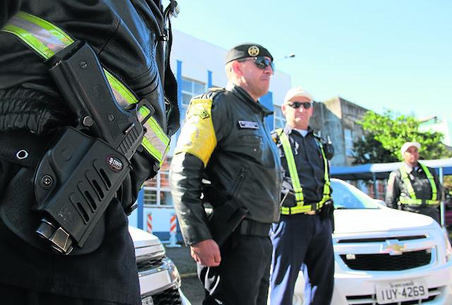 Canoas (RS) recebe armas para uso da Guarda Municipal