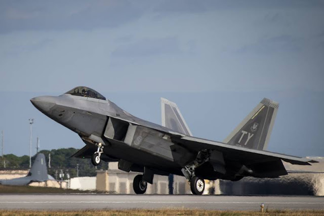 USAF F-22 crashes Eglin