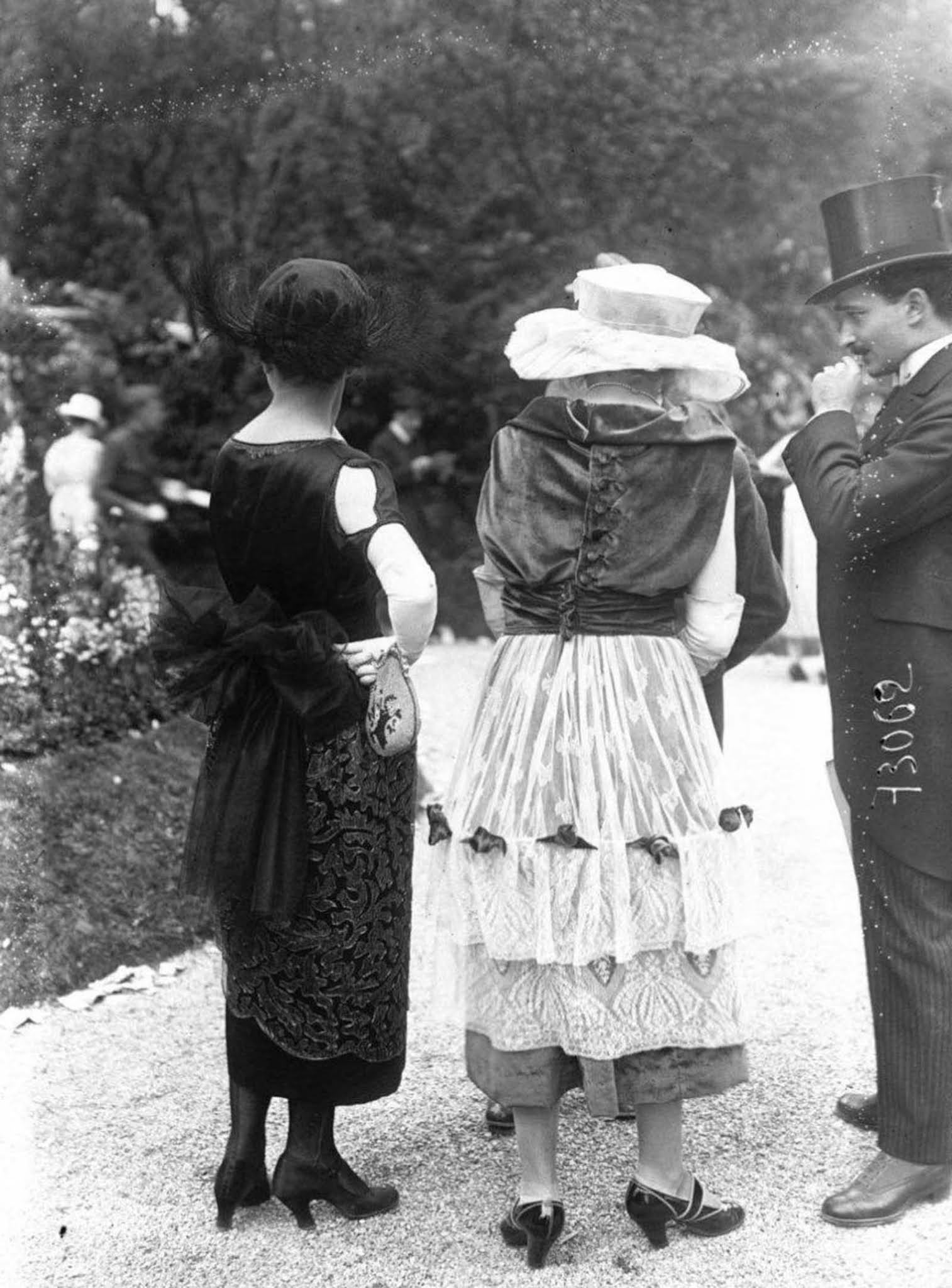 french fashion old street style photographs