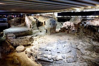 Paris : Crypte archéologique de l'Ile de la Cité, de Lutèce au Paris haussmannien, voyage à travers le temps - IVème
