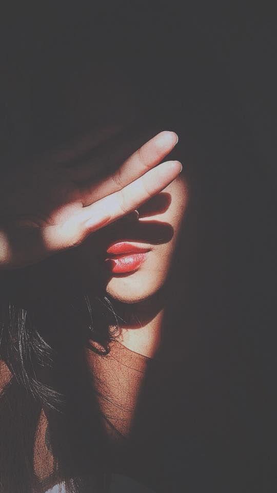 beautiful girls pic hidden face