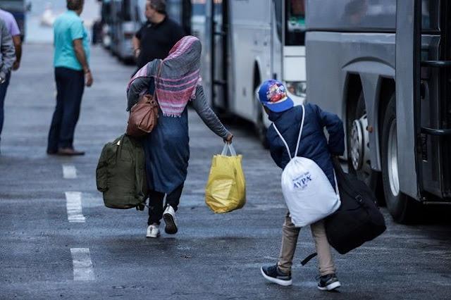 Από τα νησιά στην ενδοχώρα μεταφέρονται 1.000 πρόσφυγες