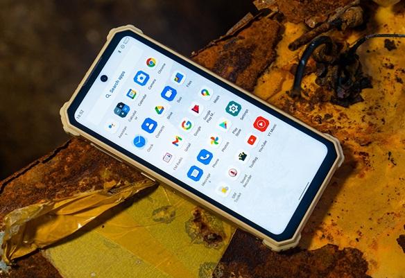 iiiF150 R2022: smartphone rugerizado con visión nocturna, pantalla de 90 Hz y tecnología NFC