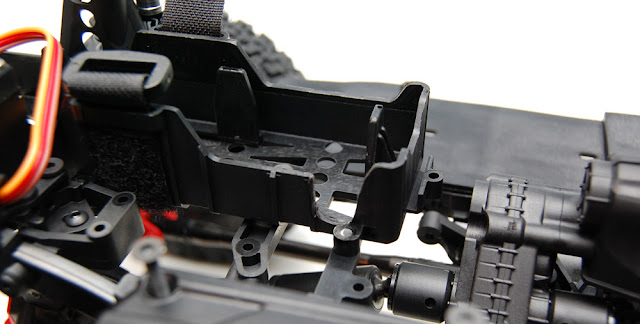 Axial SCX10 II battery tray fix