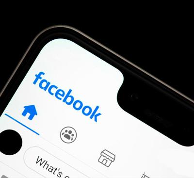تغيير اللغة تطبيق Facebook