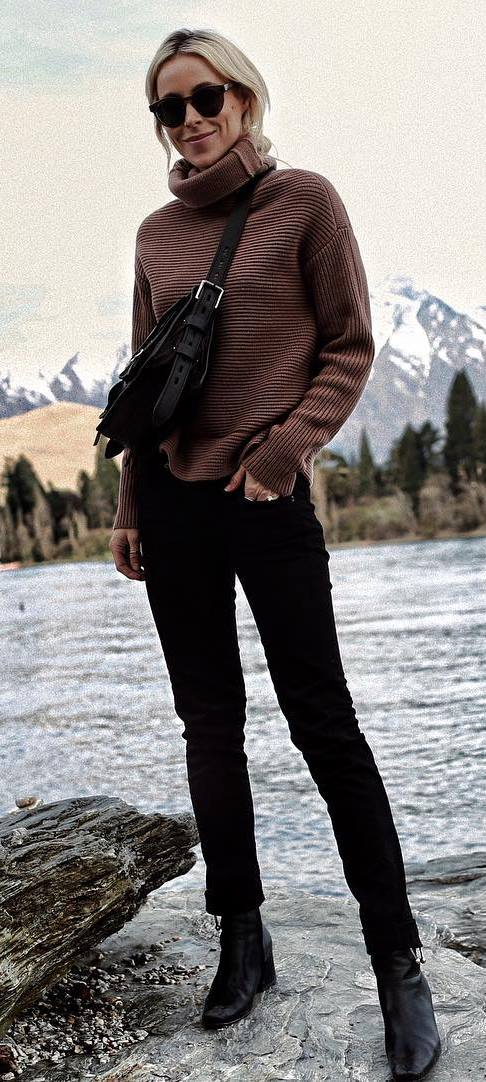 ootd | brown sweatshirt + bag + skinnies + boots