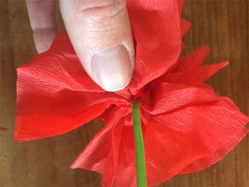 bloemensteeltje van een geverfde sateprikker