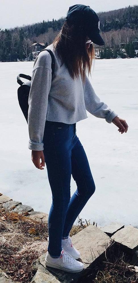ootd | hat + sweatshirt + skinny jeans + sneakers