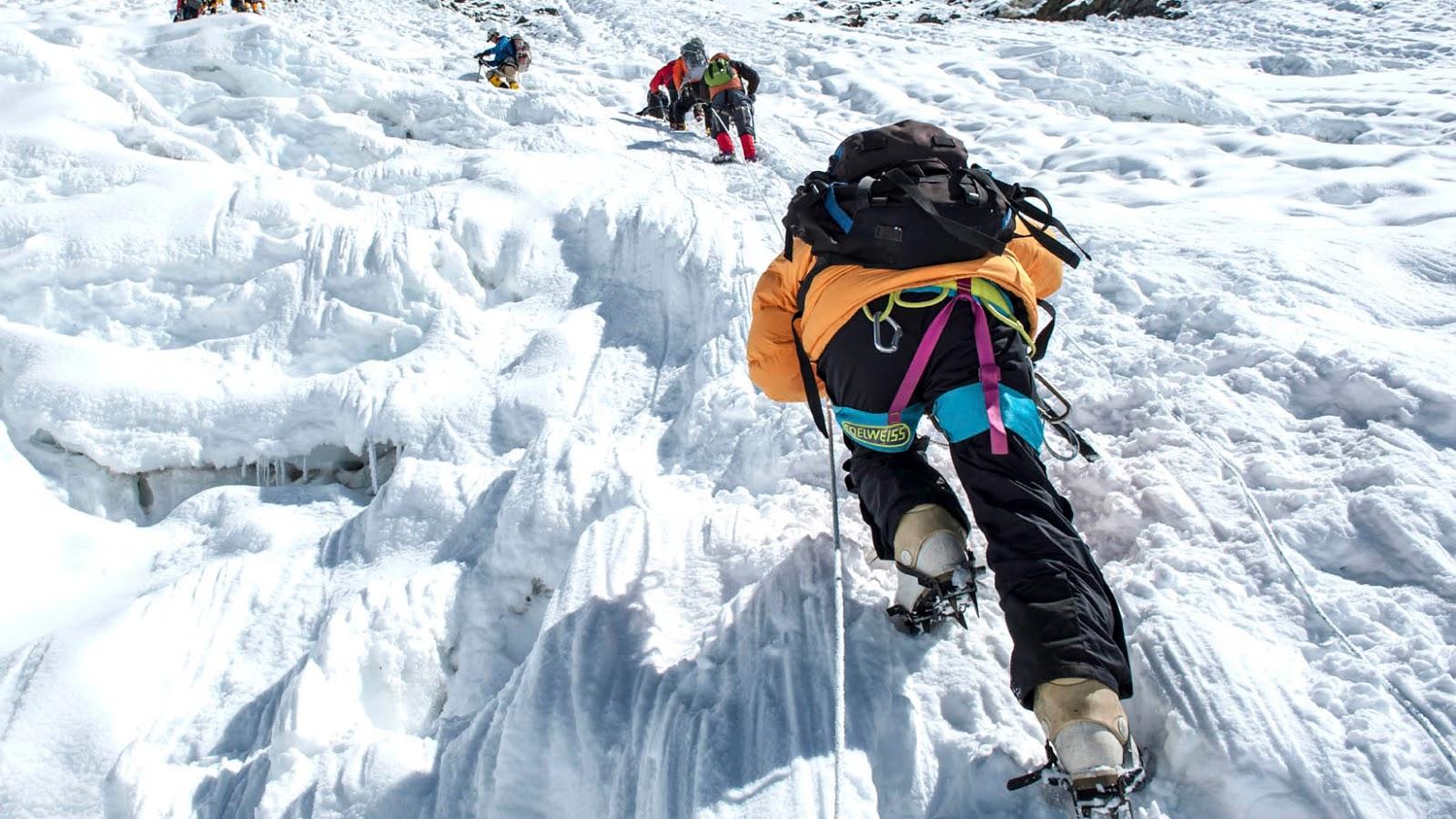 5 pendaki gunung merbabu 6 pendaki gunung guntur tersambar petir   pendaki gunung cilik  pendaki gunung dengan sepeda ontel pendaki gunung di wonosobo tersambar petir   pendaki gunung fuji