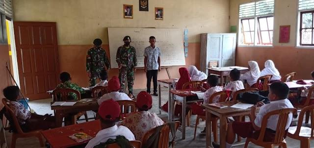 Satgas Yonarmed 9 Berikan Pengetahuan Disiplin di SDN 2 Taliabu Utara