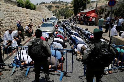 Muçulmanos se negam a entrar na Esplanada das Mesquitas