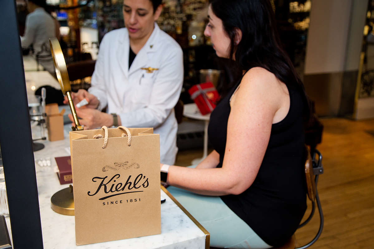 Experimenting with Kiehl's Apothecary Preparations :: Customized skincare prepared at an individual level :: Effortlessly with Roxy