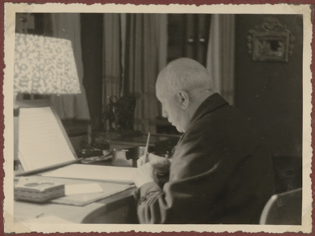 Richard Strauss in his study at Garmisch in 1949 (Photo from http://www.richardstrauss.at/english.html