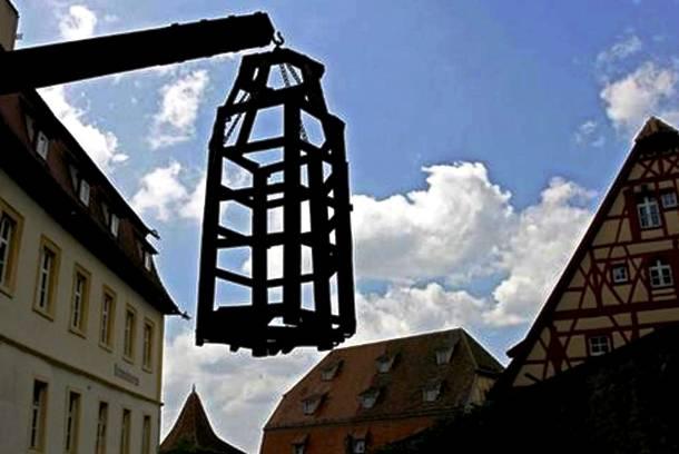 25 การทรมานโหดที่สุดในโลก เครื่องทรมานโลงศพ (Coffin Torture)