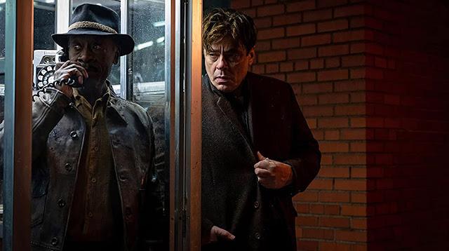 Don Cheadle y Benicio del Toro. Fotograma de HBO Max.