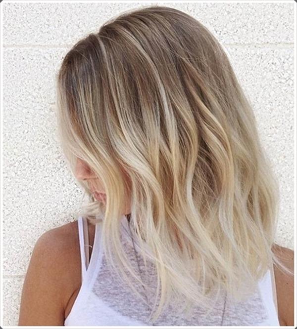 Blonde asymmetrische Frisuren 2018