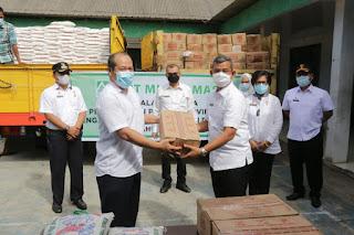 Pemko Medan Terima CSR Sembako dari PT Musim Mas