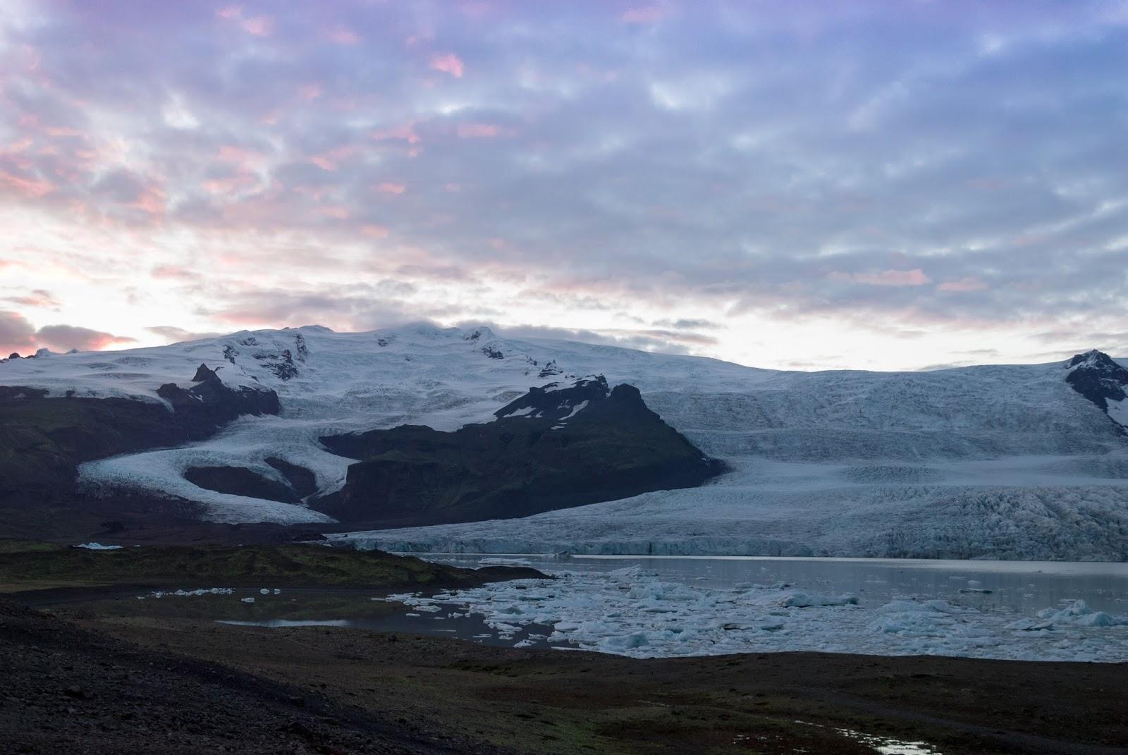 Islandia, lodowa laguna,  Fjallsárlón, zachód słońca